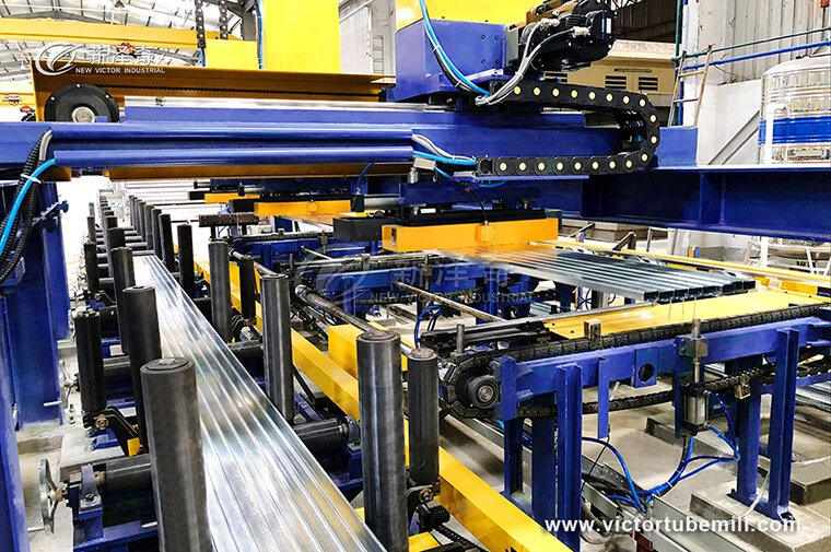 automatic stacking machine for tube mill production line.jpg